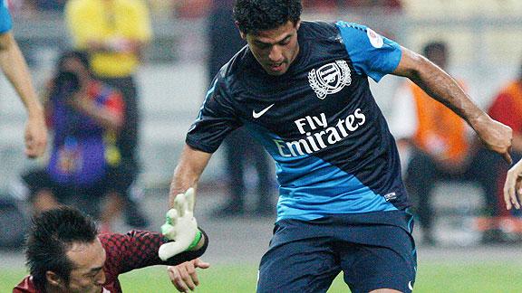 Carlos Vela anot con Arsenal ante Malasya | BahVideo.com
