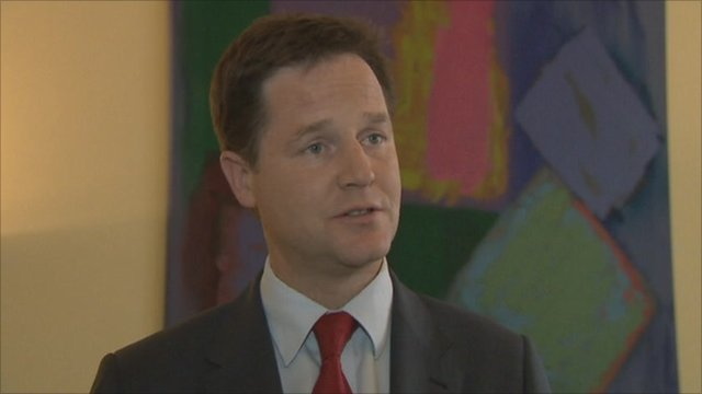 Clegg defends PM s position over phone-hacking row | BahVideo.com