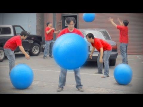Big Blue Ball Machine | BahVideo.com