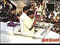 Slippers hurled at Vadivelu Car Campaign   BahVideo.com