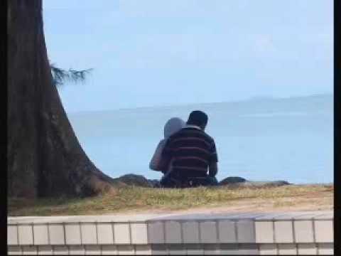 Skodeng Awek Tudung Beromen Tepi Pantai | BahVideo.com