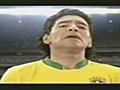 Maradona usando una camiseta de Brasil | BahVideo.com