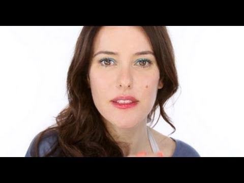 Beach Make-Up - Brights | BahVideo.com