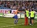 Shevchenko socorri a un aficionado  | BahVideo.com