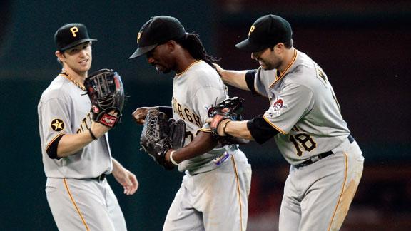 Pirates Slip Past Astros In 11th   BahVideo.com