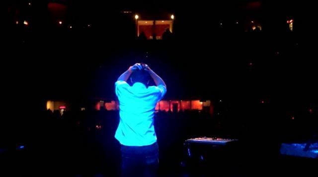 Yes Giantess La Roux Tour - Montreal | BahVideo.com